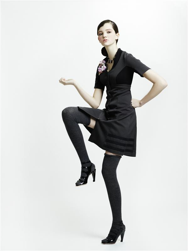 10 06 cordy dress i grå
