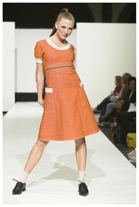 F- denim kjole i oransje